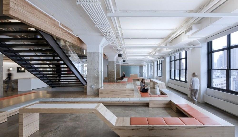 Gli interni industriali di una media azienda for Architetto di interni roma