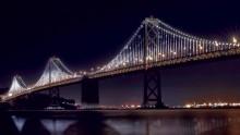 Il Bay Bridge di San Francisco illuminato con 25.000 Led