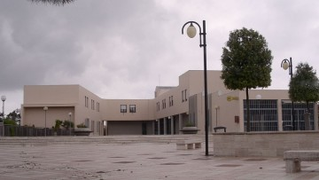 Ufficio Tecnico  respinge un progetto di 4000 mc  firmato da un geometra