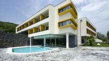 L'Hotel Esperia Palace di Zafferana Etnea e' 'sospeso' tra Etna e Mar Ionio