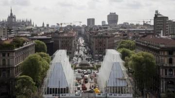 Due piramidi di vetro e acciaio per Expo Gate