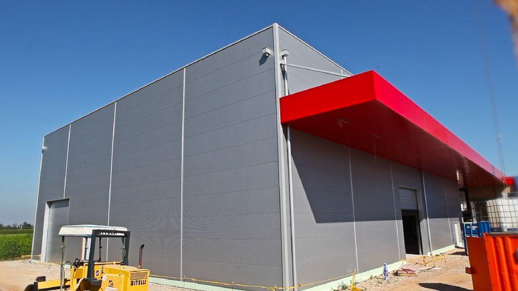 Edifici industriali in classe a l 39 esempio di casa hoval - Struttura in ferro per casa ...