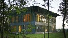 Philippe Starck firma Path, la 'casa a catalogo'