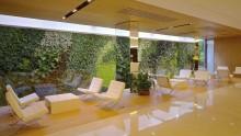 Un giardino verticale per la sede della Reale Mutua a Torino