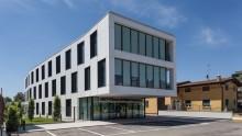 Glass Architettura Urbanistica: l'edificio per uffici D-Quadro