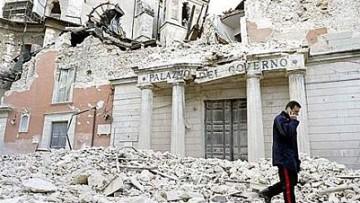 Distrutto dal sisma, Palazzo del Governo a L'Aquila