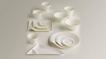 La ceramica rimane a tavola