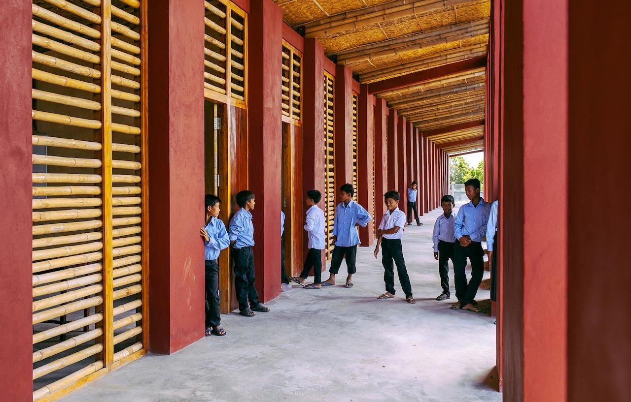 La scuola secondaria nel villaggio di Roong, Cambogia © Bernardo Salce