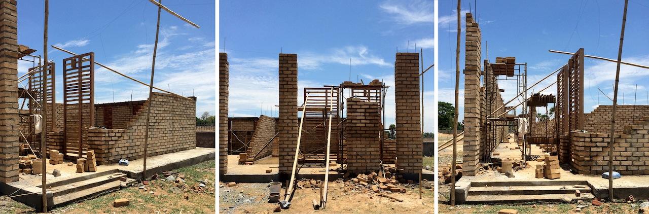 La scuola in fase di costruzione © Bernardo Salce
