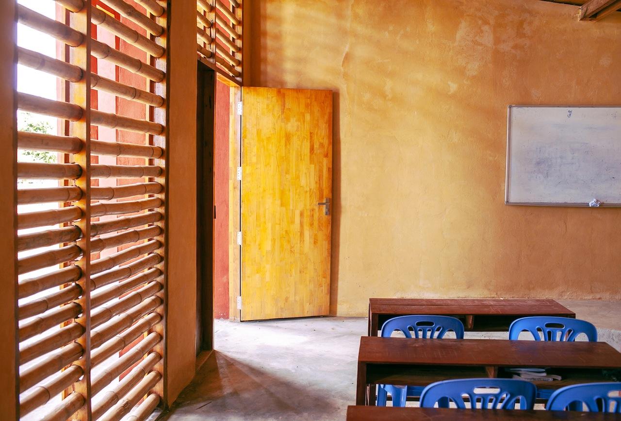 Scuola secondaria nel villaggio di Roong in Cambogia di Architetti senza Frontiere © Bernardo Salce