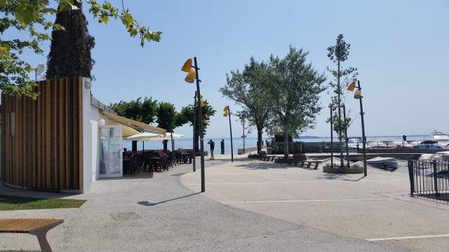 Pavimentazioni per esterni: l'intervento al Porto di Moniga del Garda