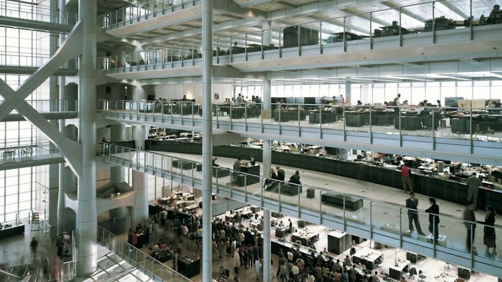 Interno della Hong Kong Bank progettata da Norman Foster