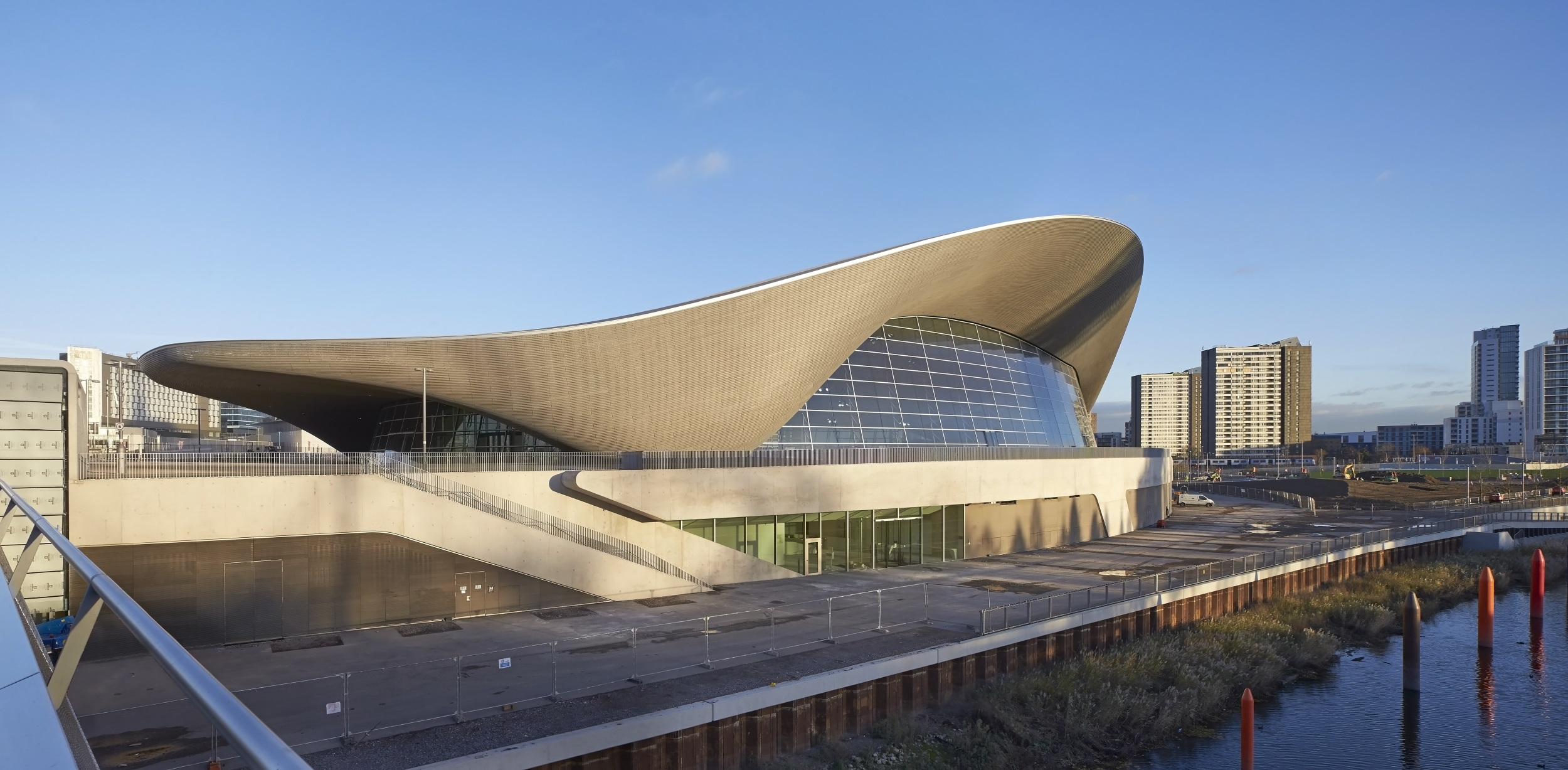 03. London Aquatics Centre_photo Hufton+Crow