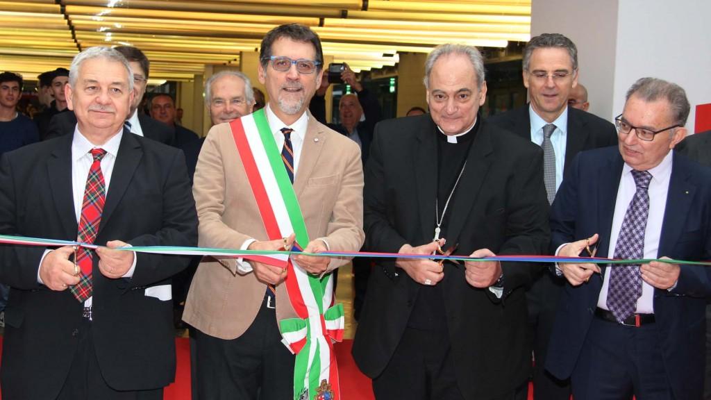 Da sinistra: Duccio Campagnoli, presidente BolognaFiere; Virginio Merola, sindaco di Bologna;  Monsignor Sorondo; Giorgio Squinzi, presidente Confindustria