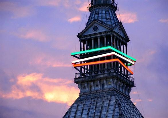 L'installazione luminosa per i 150 anni dell'Unità di Italia, firmata da Lupi insieme a Migliore e Servetto