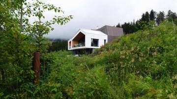 La casa sulla collina: Mountain View House by SoNo Arhitekti