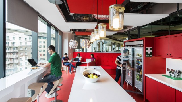 Office design gli uffici di google nel mondo architetto for Uffici di design