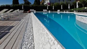 Progettazione piscine: come scegliere rivestimenti e finiture