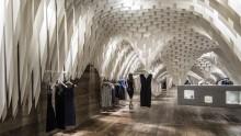 Un soffitto in fibra di vetro per il fashion store SND dello studio italiano 3Gatti