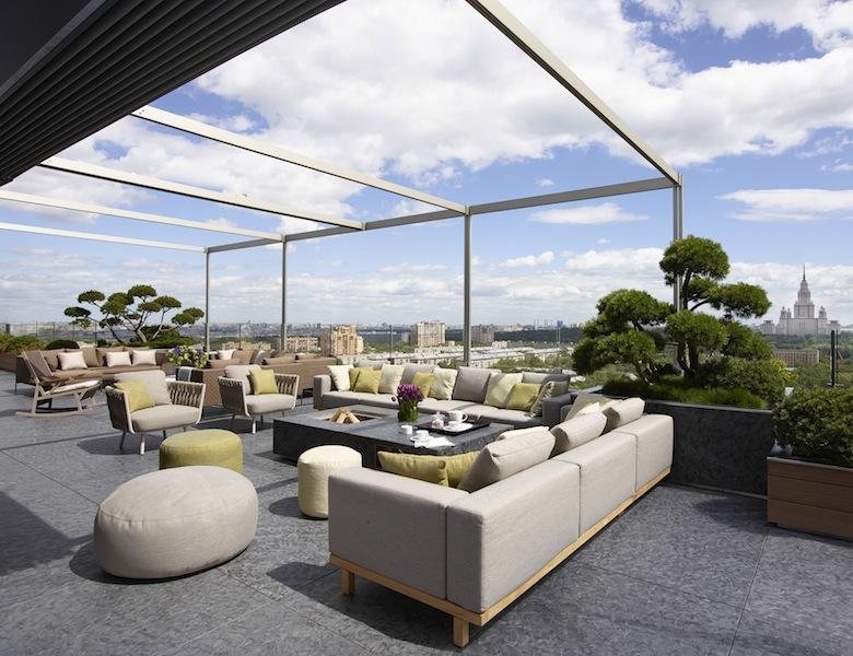 Mario mazzer architects per un attico con terrazzo nel cuore di