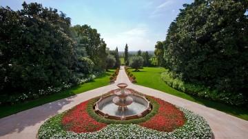 Byblos Art Hotel: giochi d'acqua e fontane per un parco d'eccezione