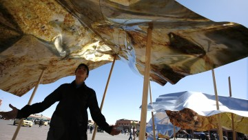 Oltre la tenda: il progetto di Hilario Isola per la Biennale di Marrakech