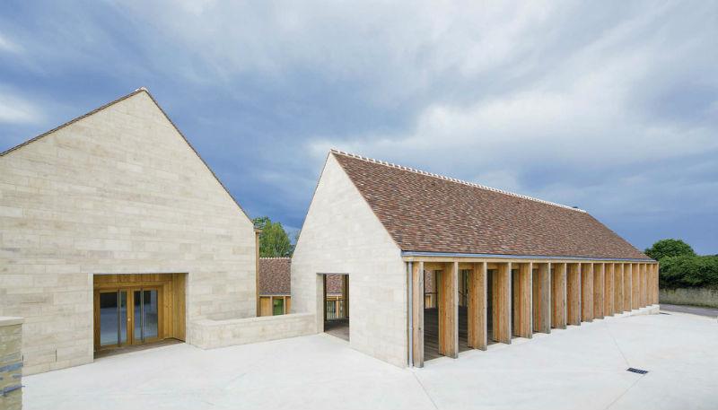 Maison de santé de Vézelay progettata da Bernard Quirot Architect & Associates, vincitore dell'Equerre d'Argent 2015. Foto: Luc Boegl
