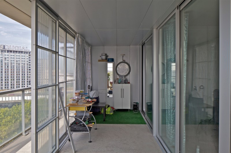 Interni della torre residenziale Bois le Prêtre a Parigi (Anne Lacaton & Jean Philippe Vassal e Frédéric Druot, 2009)