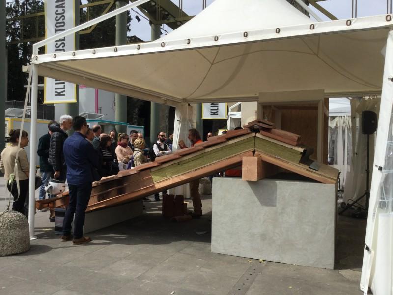 Il prototipo di tetto toscano 'alla fiorentina' costruito a KlimaHouse Toscana 2016