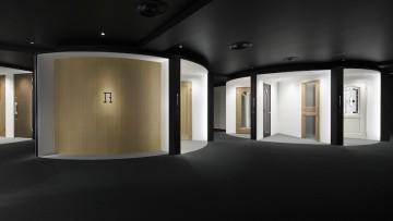 Come allestire uno spazio espositivo per il retail secondo Nendo: lo showroom di Abe Kogyo