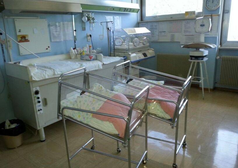 Come si progetta il blocco parto di un ospedale architetto