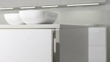Il vetro polimerico Rauvisio crystal di Rehau per l'interior design