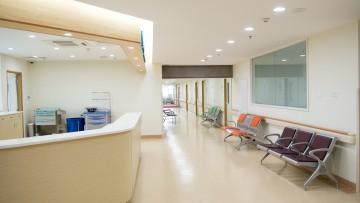 Come scegliere finiture e arredi per le aree di attesa nelle strutture sanitarie