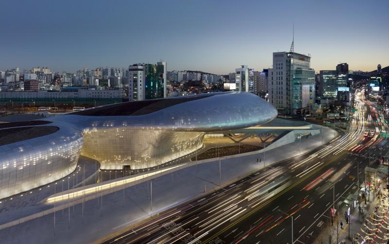 Dongdaemun Design Plaza Seoul © Virgile Simon Bertrand