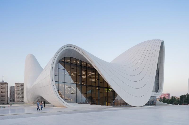 ZHA_Heydar Aliyev Center_©Iwan Baan