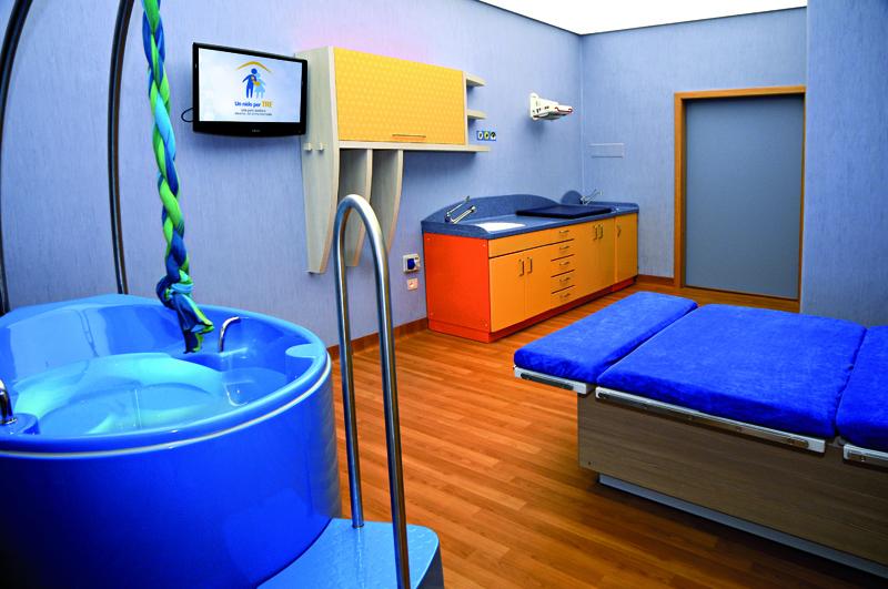 """Una sala parto """"familiare"""" secondo il modello assistenziale del rooming-in integrale"""