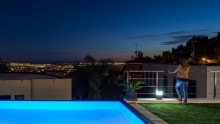 La casa con vista sul Mediterraneo di 08023 Arquitectos