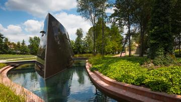 Architettura del vino: la prima cantina di Philippe Starck