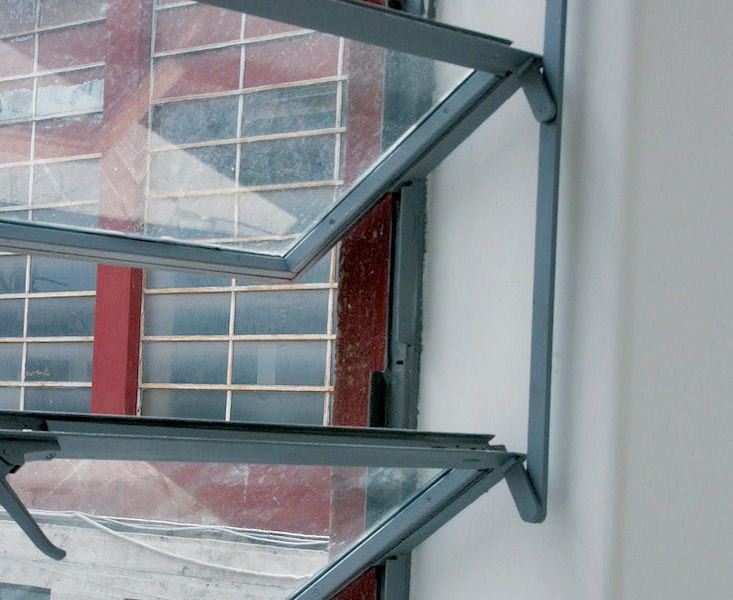 Serramenti in ferro finestra nelle architetture storiche for Scurini per finestre