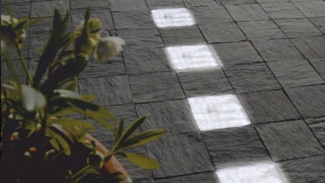 Pavimentazioni esterne: Paver LED le illumina con pietre luminose