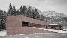 Pedevilla Architects per la stazione dei pompieri di Versciaco