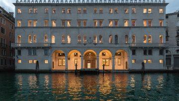 T Fondaco dei Tedeschi di OMA a Venezia: la copertura più discussa dell'anno