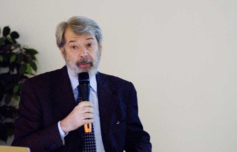 Il prof. Giovanni Carbonara