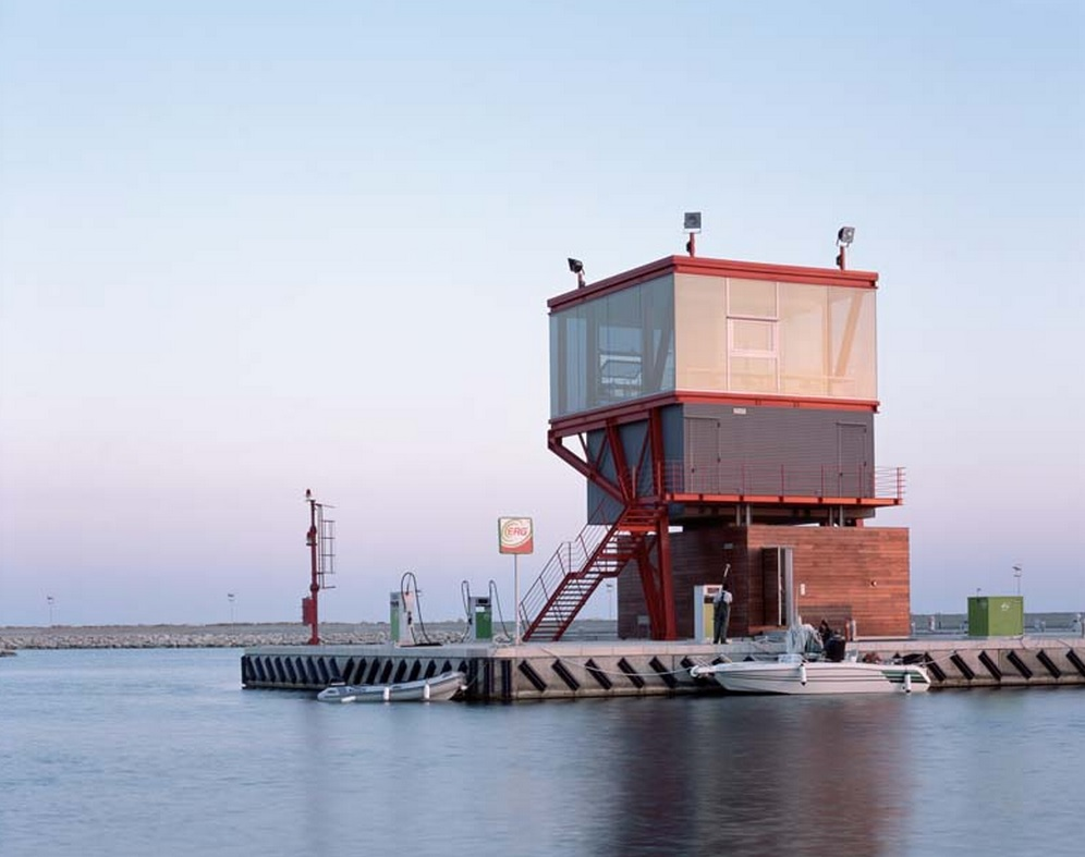 Torre di controllo Marina di Ragusa © Hélène Binet