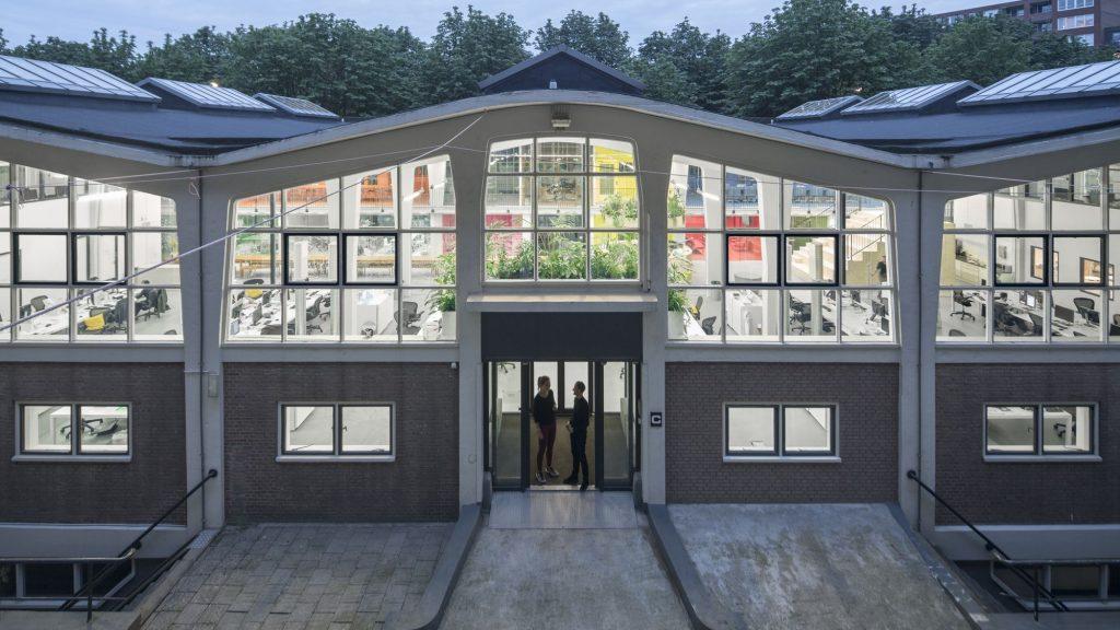 Dove lavorano gli architetti gli uffici di mvrdv a for Lavoro architetto milano