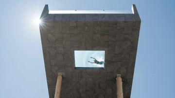 Una piscina a sbalzo sulle Dolomiti: il restyling dell'Hubertus Hotel a firma noa