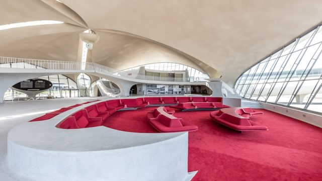 Terminal TWA di Eero Saarinen: le ultime immagini prima della conversione a hotel