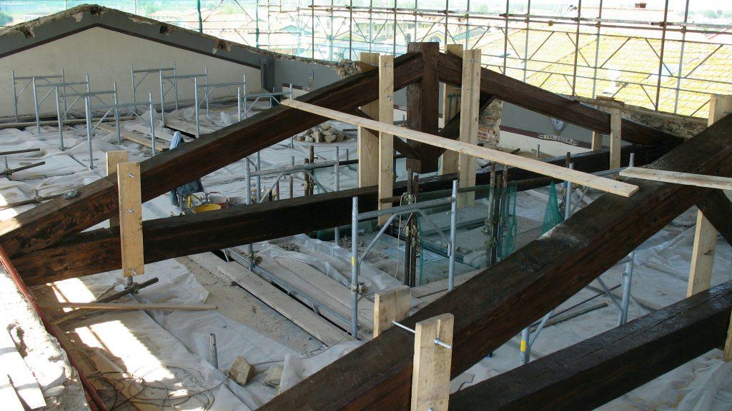 Recupero delle strutture lignee della Chiesa di Cintolese