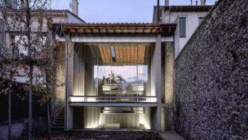 L'architettura di RCR Arquitectes: il recupero di una vecchia casa in pietra
