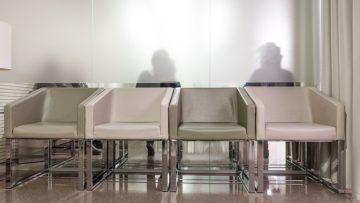 Edilizia sanitaria: scegliere gli arredi e le finiture per le sale d'attesa